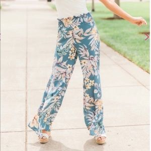Pink lily pants. New!!